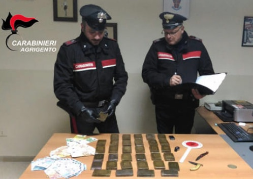 Agrigento, 6 arresti per spaccio di hashish: 4 chili di droga sequestrata