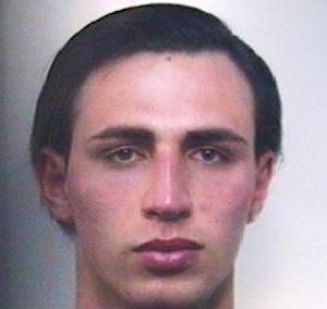 Catania, picchia e sequestra la ex convivente: rintracciato ed arrestato