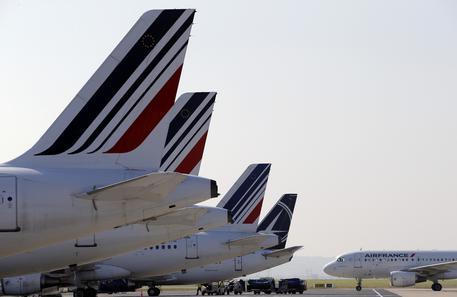 Air France, sì dei piloti alla creazione di una low cost