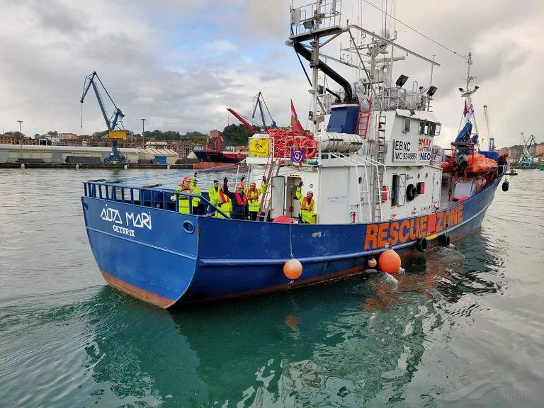 Sbarcati nel porto di Pozzallo i 78 migranti della 'Aita Mari'