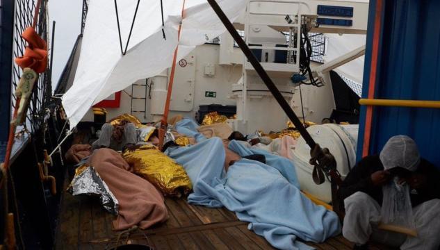 Lampedusa resta porto chiuso, la nave con 64 migranti a bordo diretta a Malta