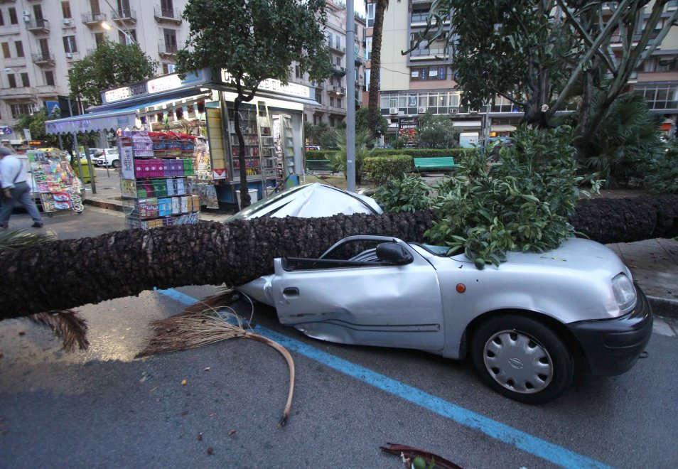 Maltempo, nubifragio e grandine a Palermo: decine di interventi