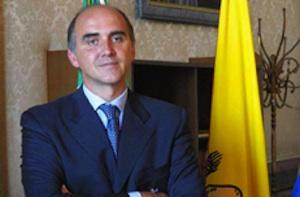 Palermo, si presenta nel carcere di Pagliarelli l'ex deputato Alberto Acierno