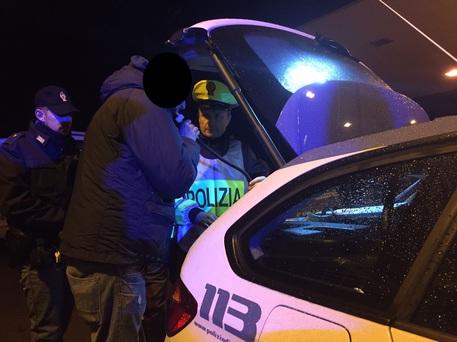 Rosolinese bloccato dalla Polstrada: guidava ubriaco