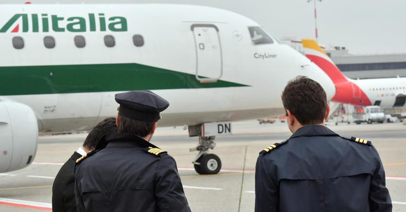 """Aerei, Armao: """"Per la Sicilia vanno calmierati i prezzi dei biglietti"""""""