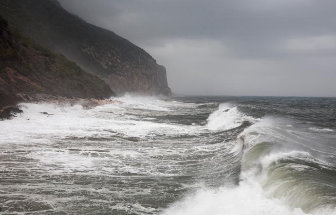 Mareggiata danneggia punto d'attracco aliscafi ad Alicudi