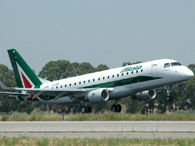 Alitalia cancella 17 voli settimanali da Comiso per Roma e Milano