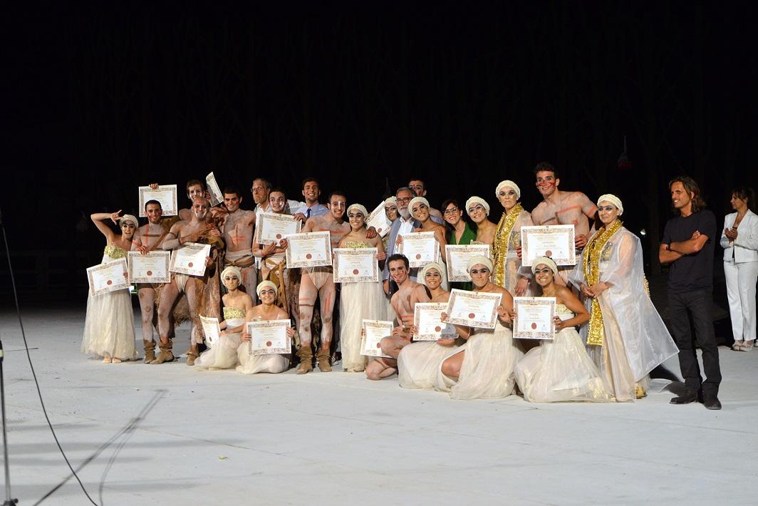 Grasso consegna i diplomi agli allievi dell'Accademia dell'Inda