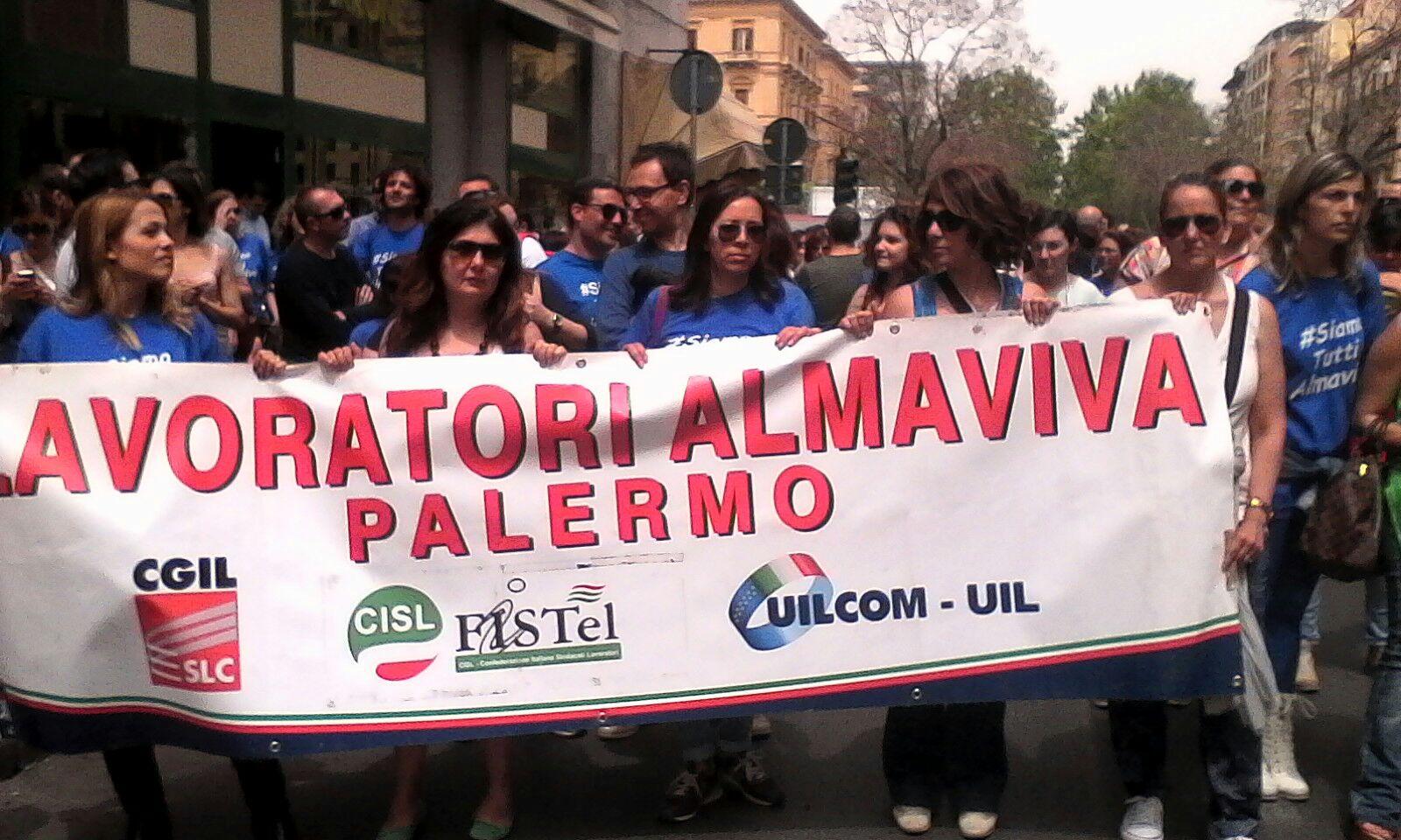 Almaviva, allerta al call center di Palermo sul futuro di Alitalia
