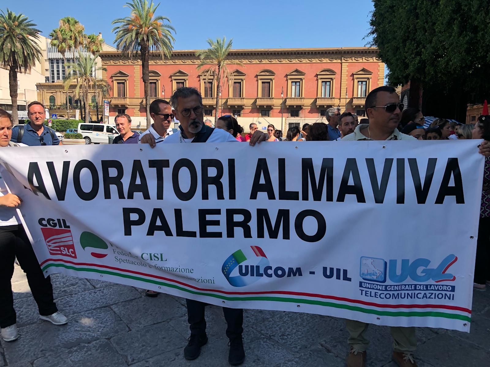 Almaviva Palermo, il tribunale per 46 lavoratori: illegittime le trattenute per le ferie
