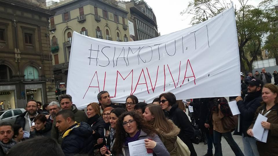 Palermo, continua lo sciopero di protesta dei dipendenti Almaviva: 621 posti a rischio