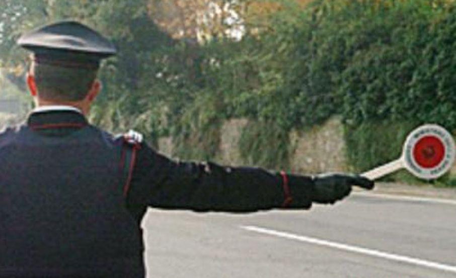 Scicli, non si ferma all'alt: guidava senza avere la patente: denunciato