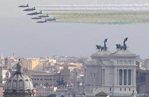 Roma, Mattarella al Vittoriano rende omaggio al Milite Ignoto