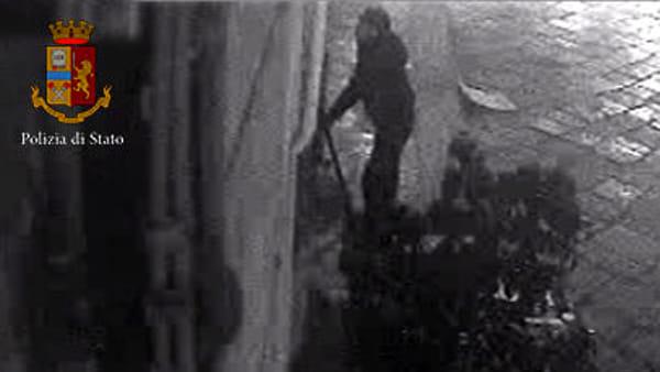 Otto furti a Palermo spaccando vetrine, arrestato uno della banda