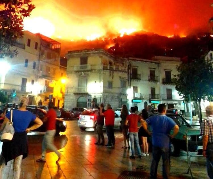 Gli incendi in Sicilia, insediato il tavolo tecnico alla Regione