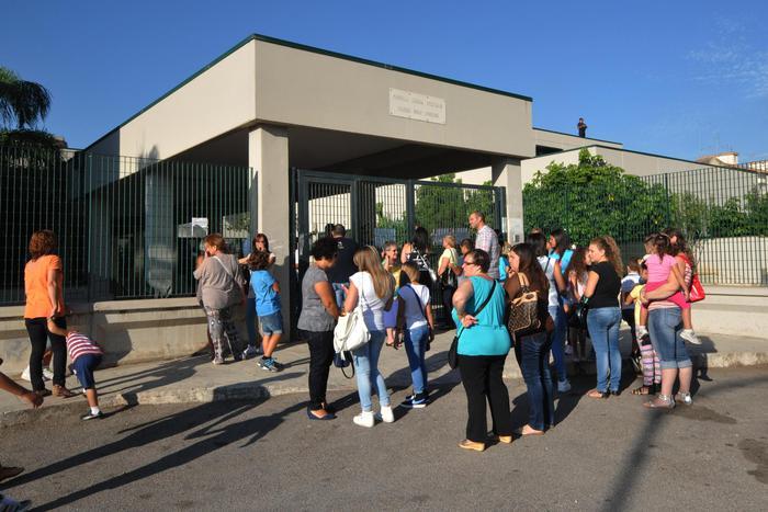 Catania, dimenticano alunno dopo un evento: denunciati due insegnanti