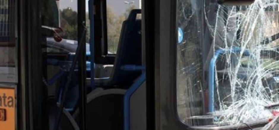 Palermo, lanci di pietre contro gli autobus urbani: identificati tre minorenni