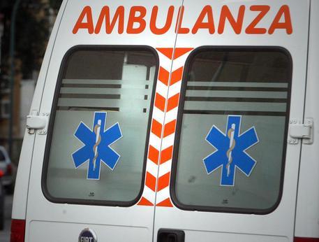 Scontro auto-furgone nel Cosentino, muore una donna di 30 anni