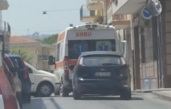 Floridia, scontro fra una Panda e un'ambulanza in via Boschetto
