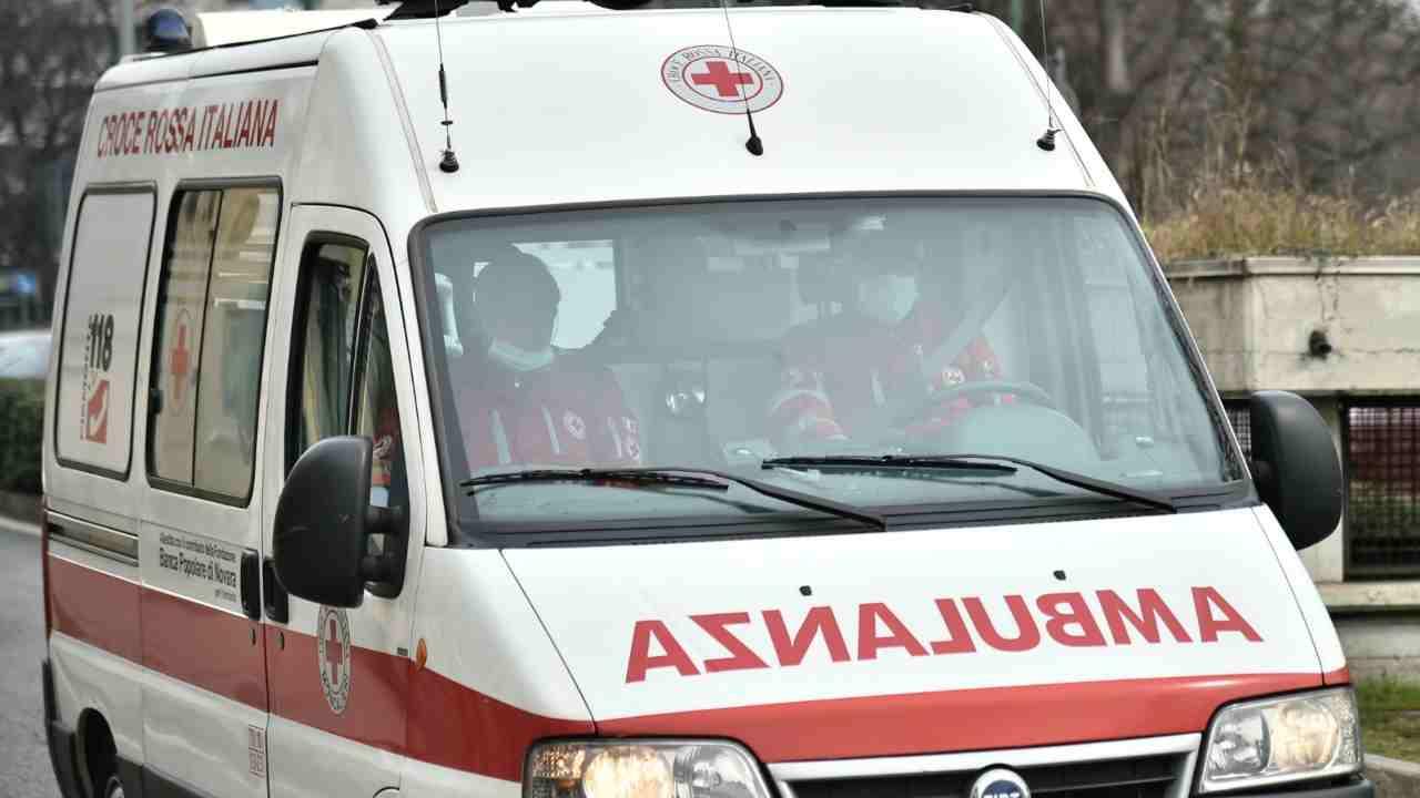 Palermo, donna travolta da un'auto in via Della Verdura: perde la vita