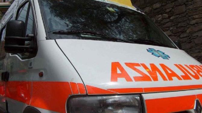 Scicli, operaio cade da una impalcatura in un cantiere edile: è grave