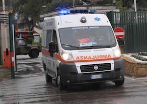 Napoli, veicolo contromano: muore una coppia di anziani