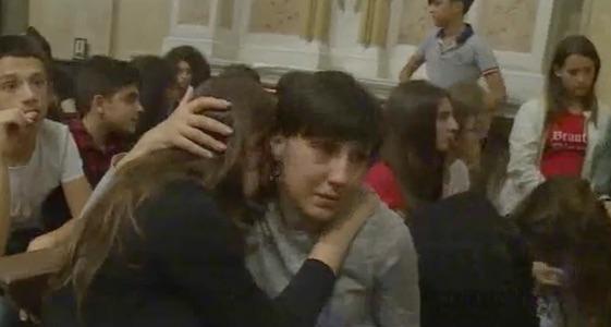 L'Italia piange i fratellini di Messina, una veglia di preghiera a Sant'Antonio