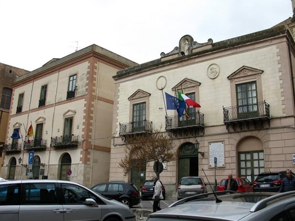 Amministrative, domenica urne aperte a Corleone e Palazzo Adriano