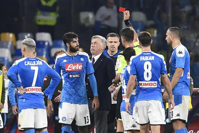 Carlo Ancelotti squalificato, ricorso d'urgenza del Napoli Calcio