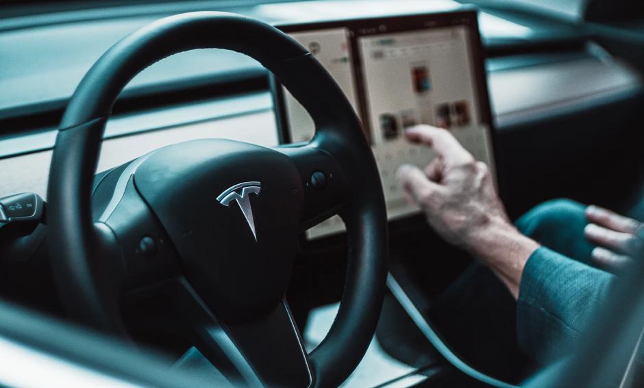Anche il futuro delle automobili è connesso
