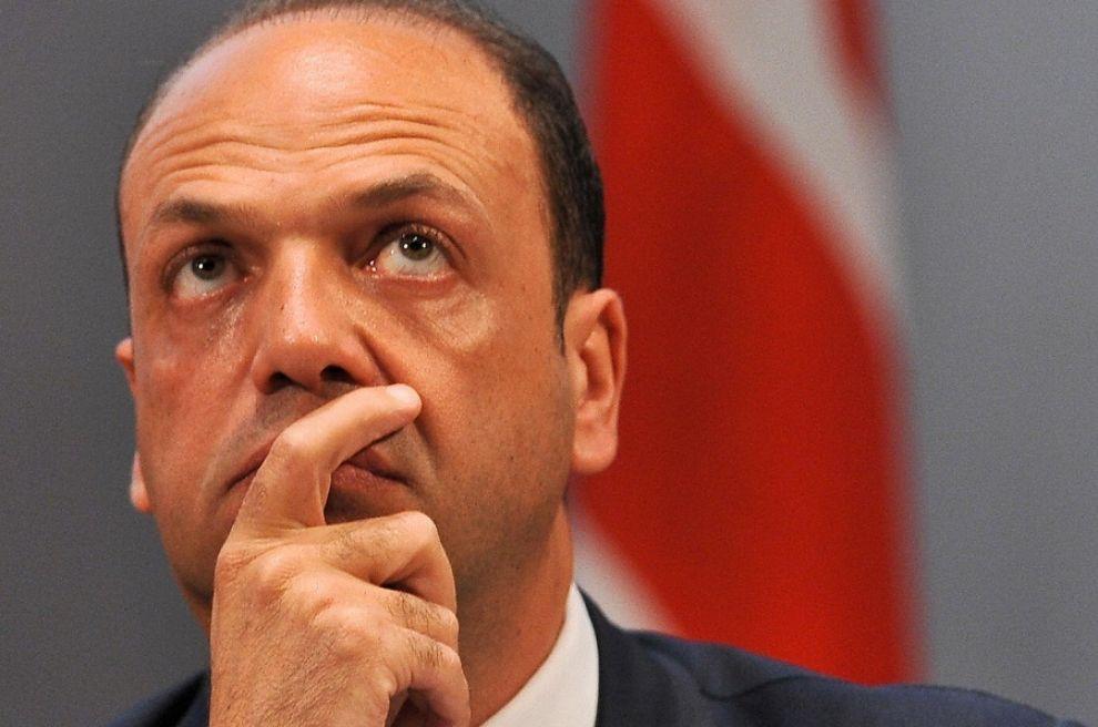 """Ex procuratore di Enna: """"Elementi indiziari contro il ministro Alfano"""""""