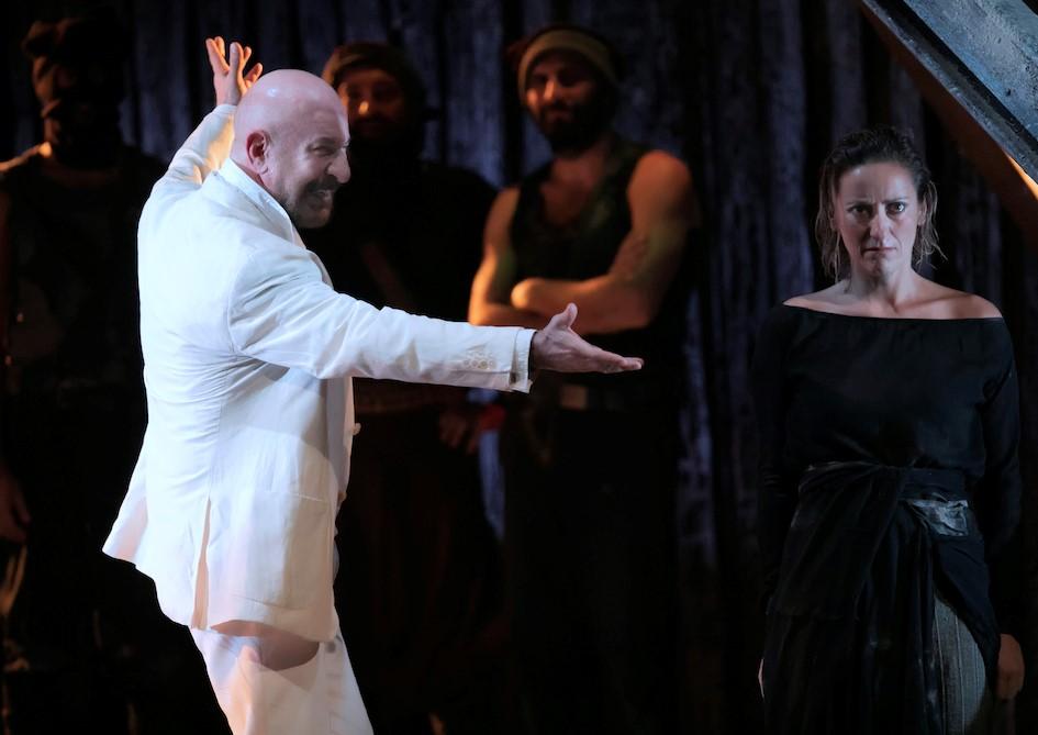 """Modica, al Teatro Garibaldi in scena """"Antigone"""" con Sebastiano Lo Monaco"""