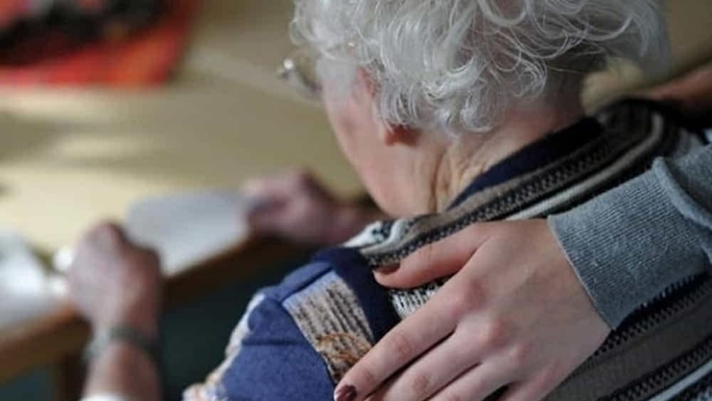 Casa di riposo abusiva a Campofelice di Roccella: denunciata la titolare