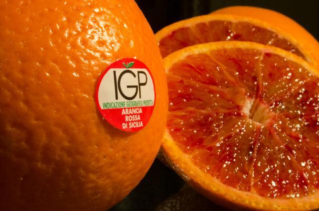 McDonald's rinnova accordo con la catanese Oranfrizer per l'arancia rossa di Sicilia