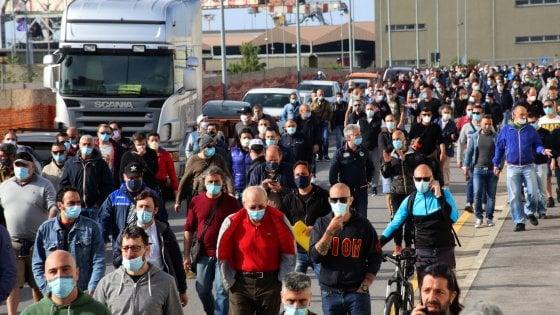 Vertenza Arcelor Mittal, sciopero a Taranto e tensioni fra gli operai