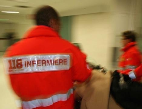 Camorra, agguato a Napoli: ferito un ventunenne, è in codice rosso