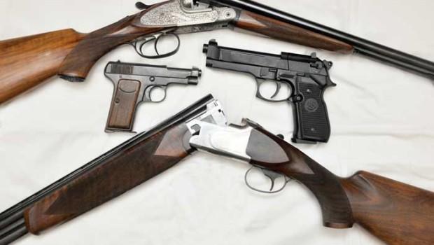 Catania, un denunciato per detenzione illegale di fucili e pistole