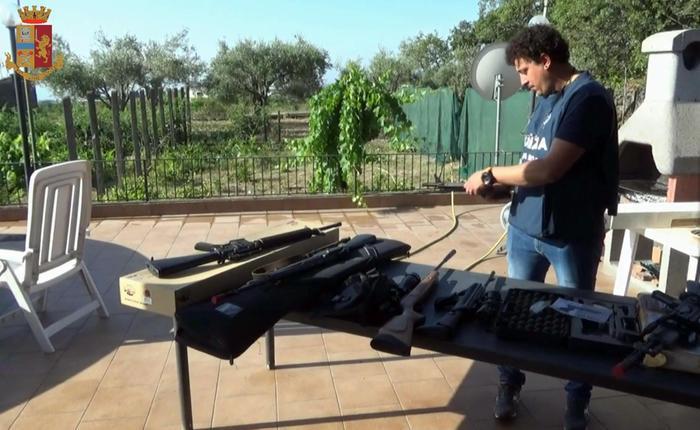 Enna, scoperto un traffico di armi con la Polonia: 78 persone denunciate