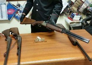 Sequestrati nell'Acese 14 fucili da caccia ed una pistola