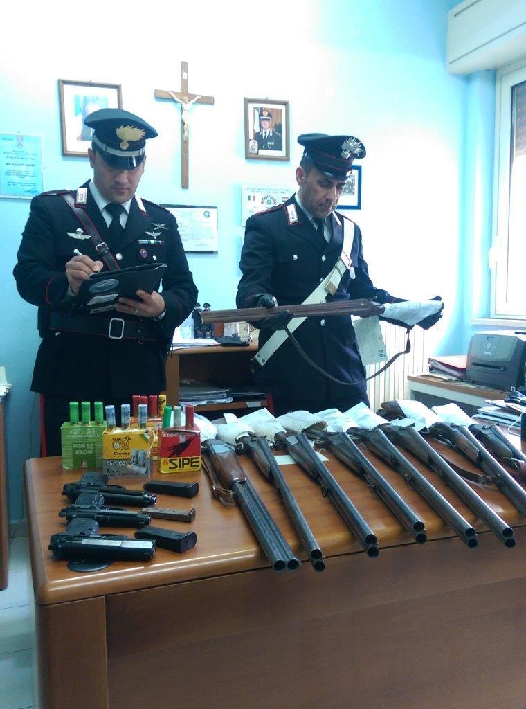 Siracusa, più di 360 armi sequestrate nel 2016 dai carabinieri