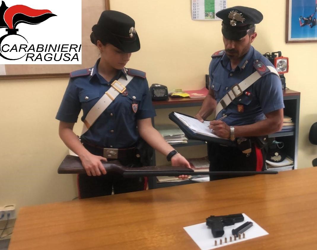 Giarratana, sequestrati dai Carabinieri pistola a salve modificata e armi