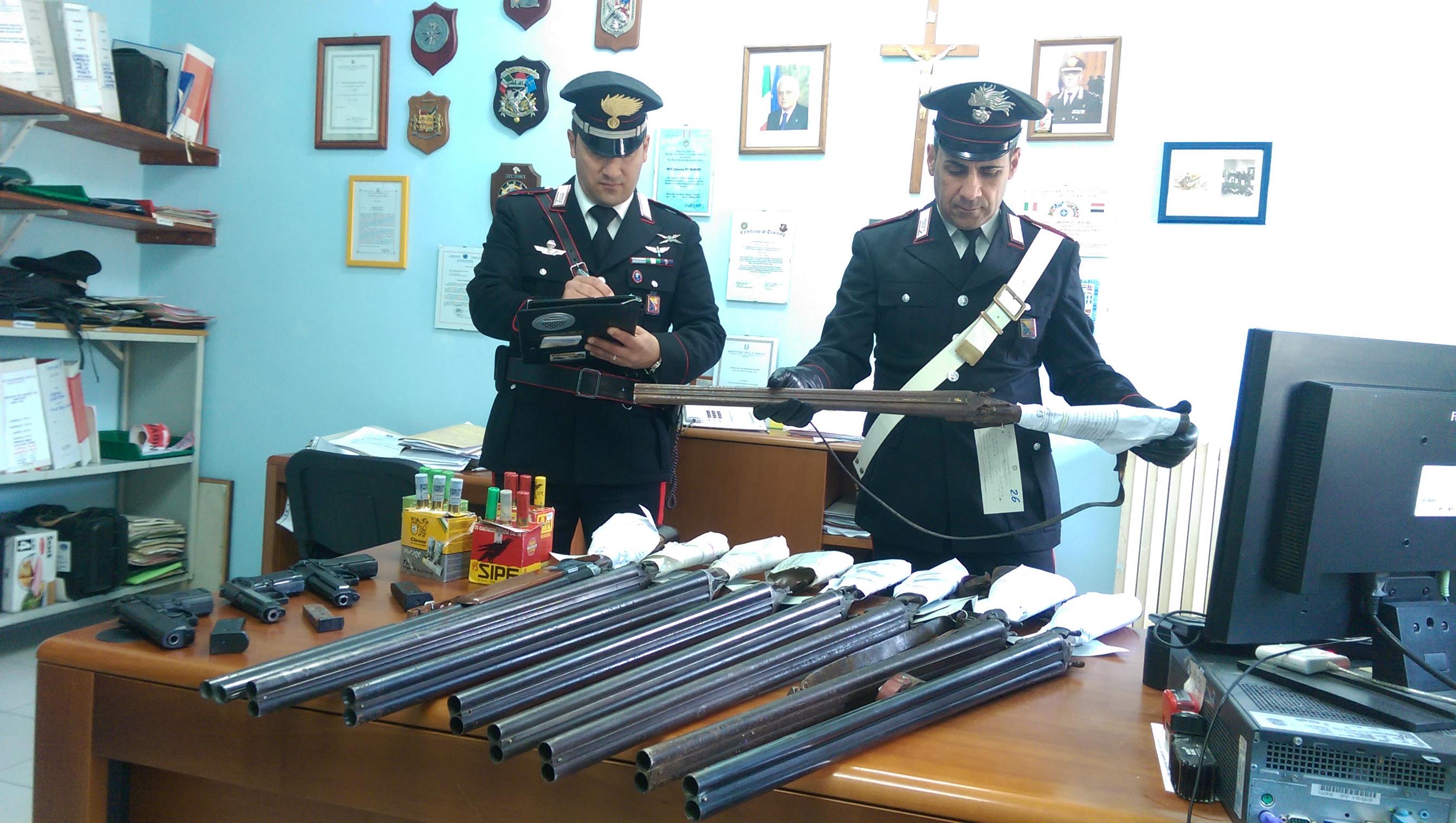 Armi a Siracusa e provincia, centinaia di ritiri e sequestri