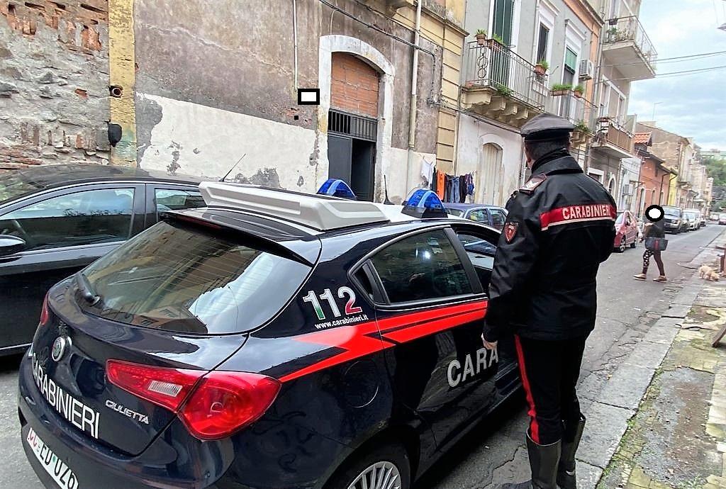 Catania, picchiate per soldi e sesso: 2 finiscono in carcere a Messina