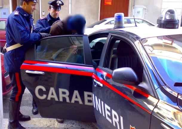 Camorra: racket e droga, undici arresti nel Napoletano