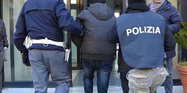 Aggredisce e violenta una signora di 70 anni, migrante arrestato a Foggia