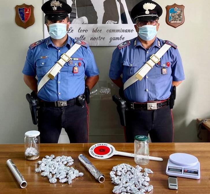 Bronte, droga nascosta sotto un cumulo di pietre: arrestato un 28enne