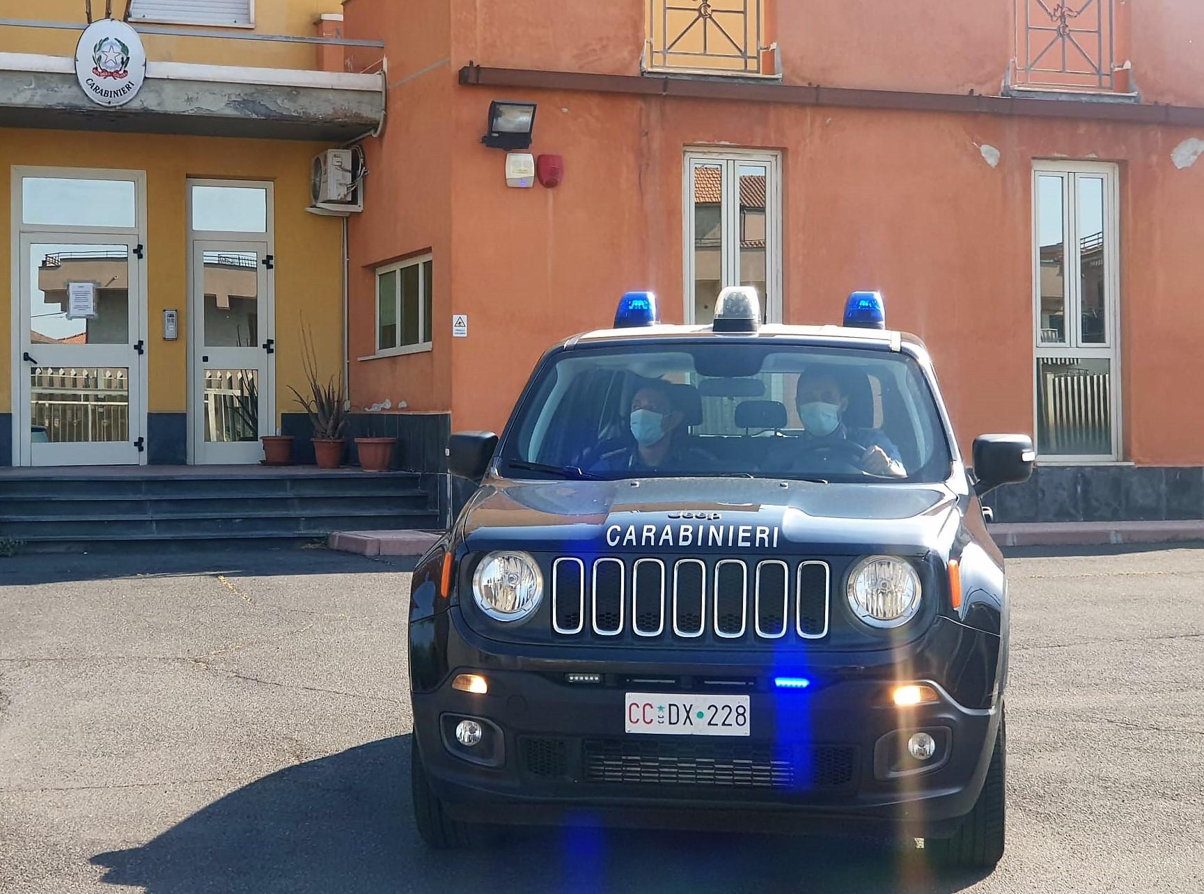 Adrano, minaccia il padre di morte: si rifugia alla Stazione  dei carabinieri