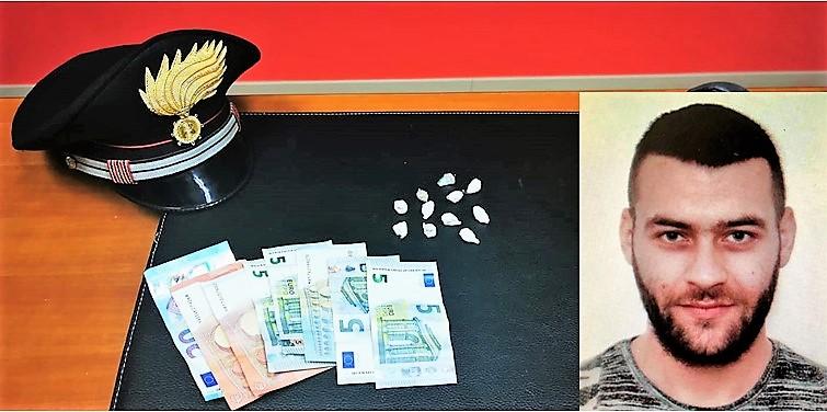 Catania, tradito dalla tuta che indossa: arrestato con 11 dosi di eroina