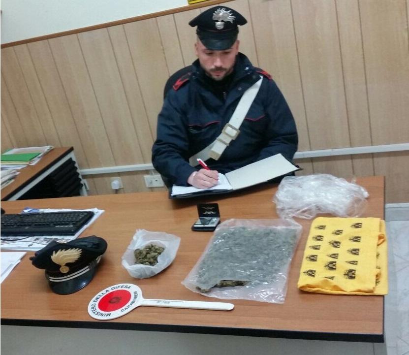 Rosolini, aveva quasi 300 grammi di marijuana: finisce ai domiciliari