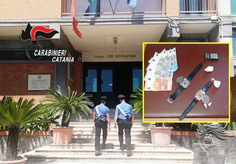 Nascondeva la cocaina nella cassa dell'orologio: arrestato ad Acireale